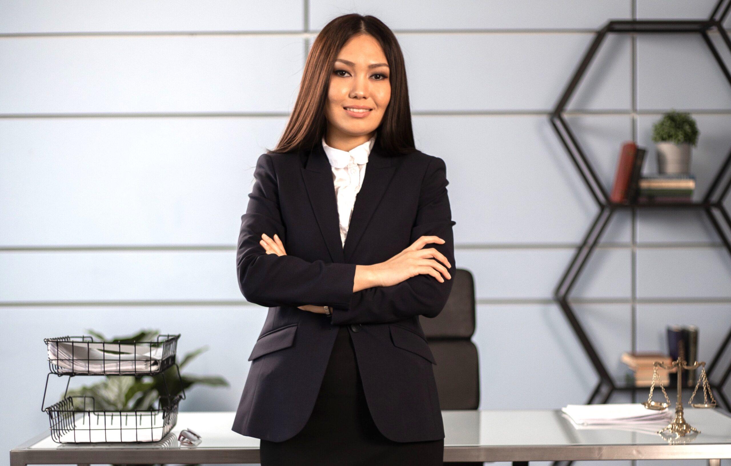 Corporate Ladder Climbing Up career-driven womenontopp.com women on topp