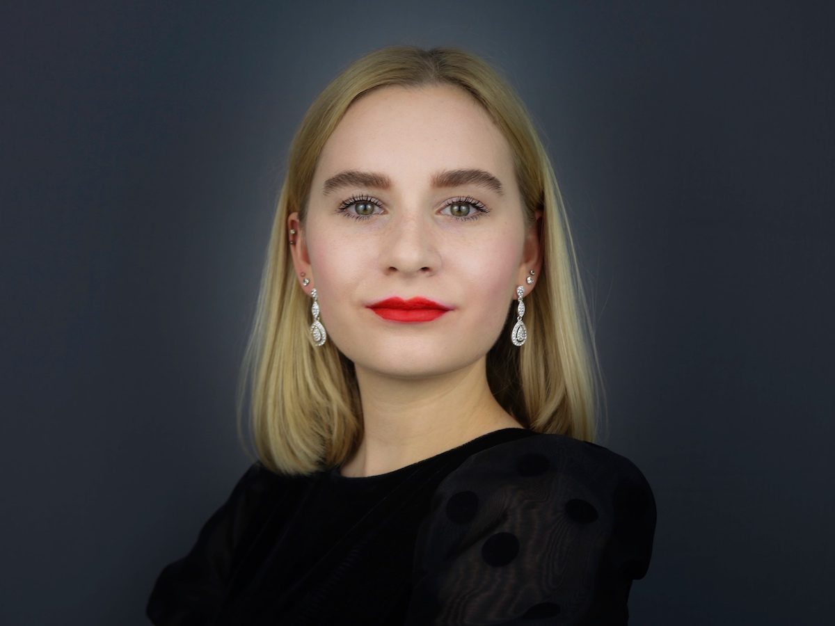 19-year-old Founder & CEO Ella Greenwood womenontopp.com women on topp
