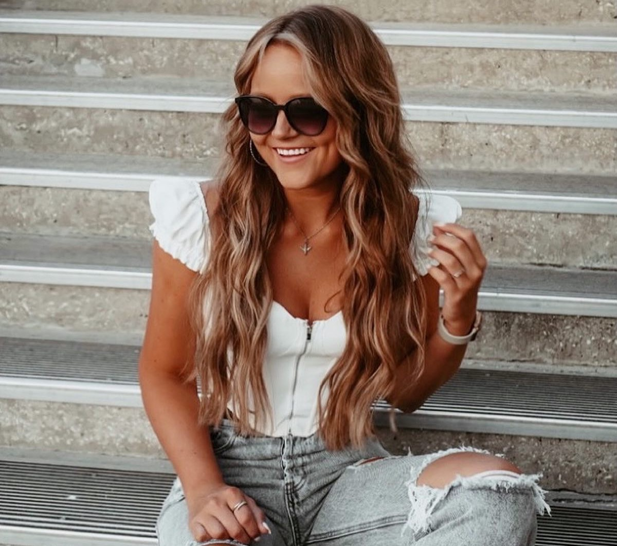 Amanda Kacperowski womenontopp.com women on topp
