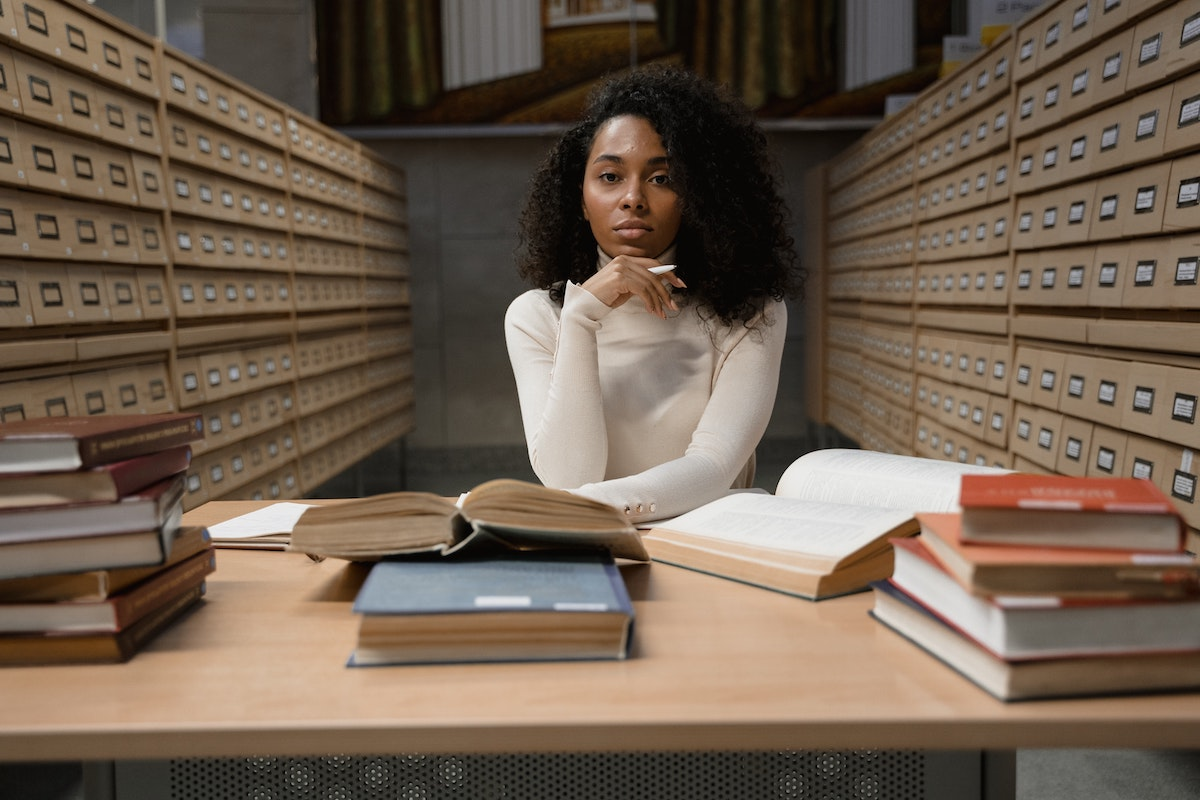 Studying and Working: 5 Tips to Success | Womenontopp.com | Women On Topp |