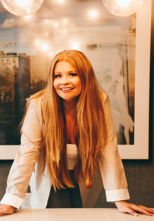 Tell Yourself, You Can Do Hard Things Because You Can - Interview with Founder of Orange Door Consulting – Ashley Donahue | WOMENONTOPP.COM | WOMEN ON TOPP |