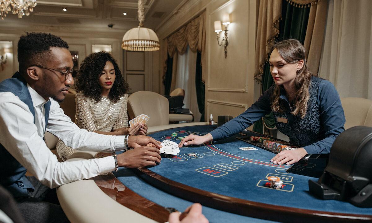 What Poker Can Teach Young Entrepreneurs womenontopp.com women on topp
